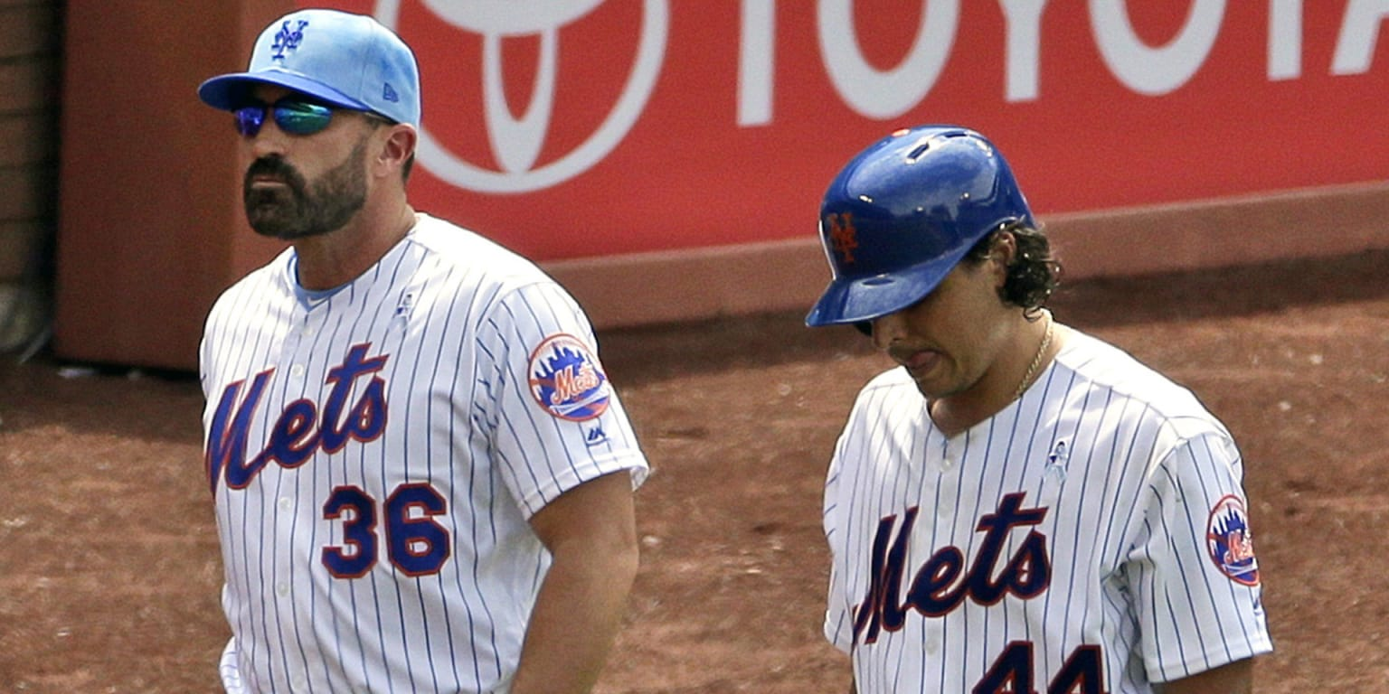 Vargas exits with cramp, Mets feel it's minor