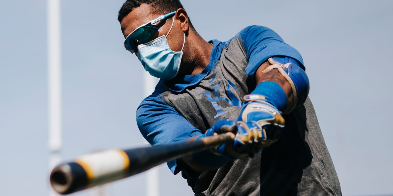 He's back! RBI 1B for Salvy in 1st intrasquad