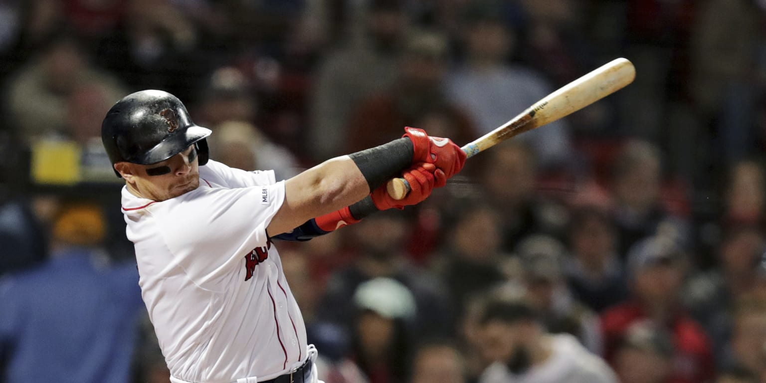 Red Sox's offense arrives in droves