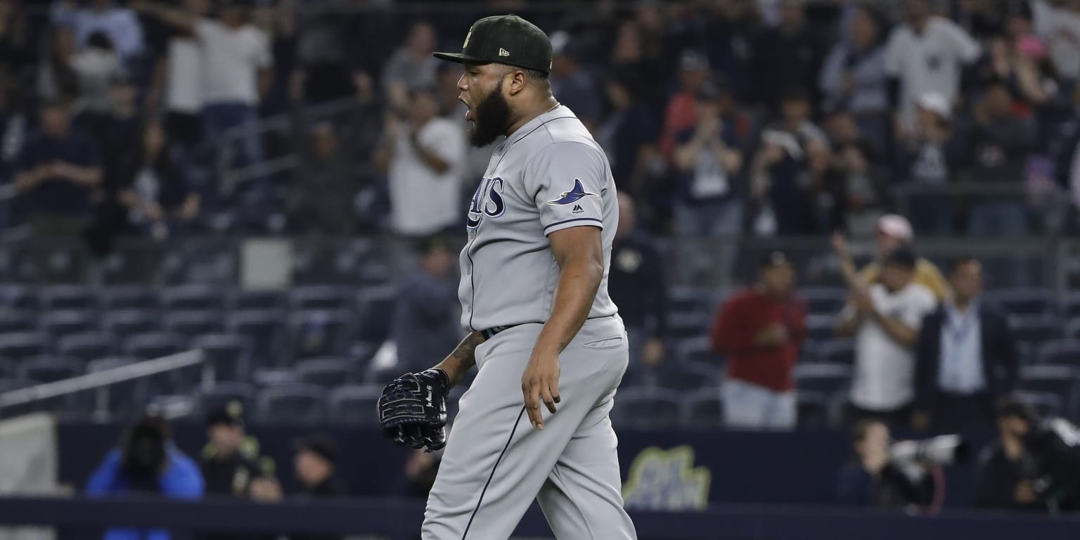 Rays let late lead slip away, drop into 2nd place
