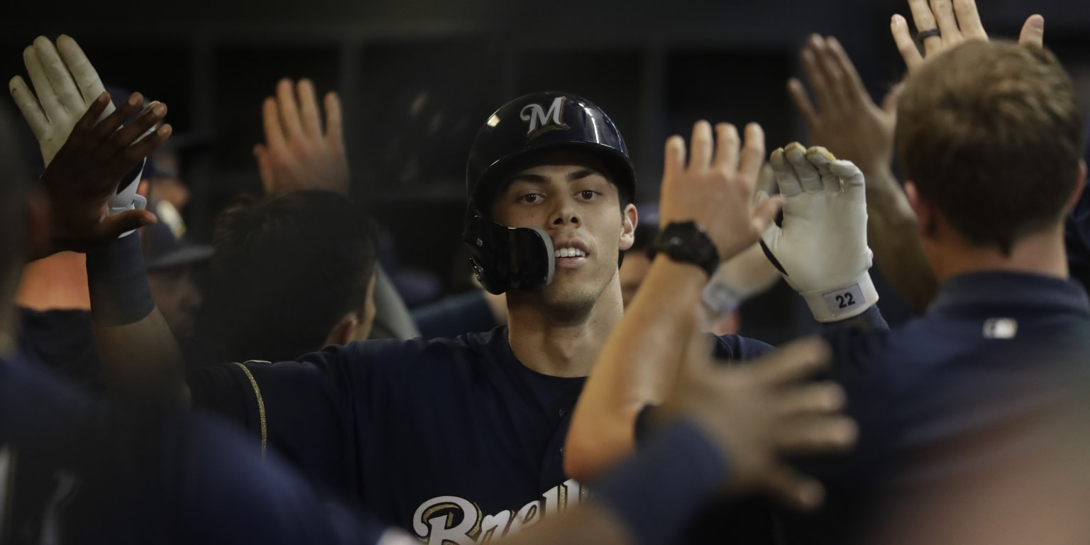 Christian Yelich slams Braves as Brewers bust out