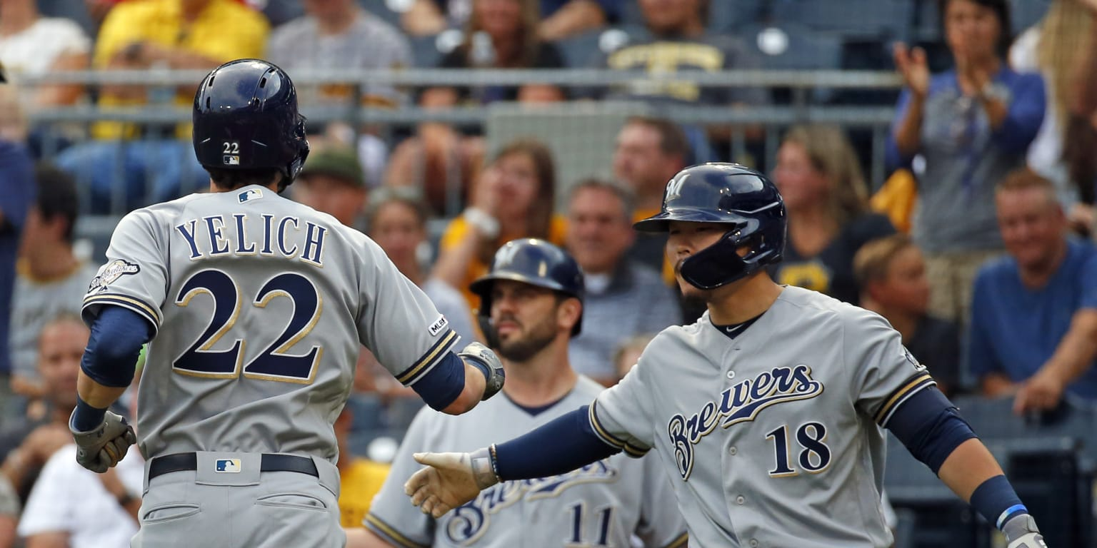 Yelich cracks 38th, 39th HRs in win over Bucs
