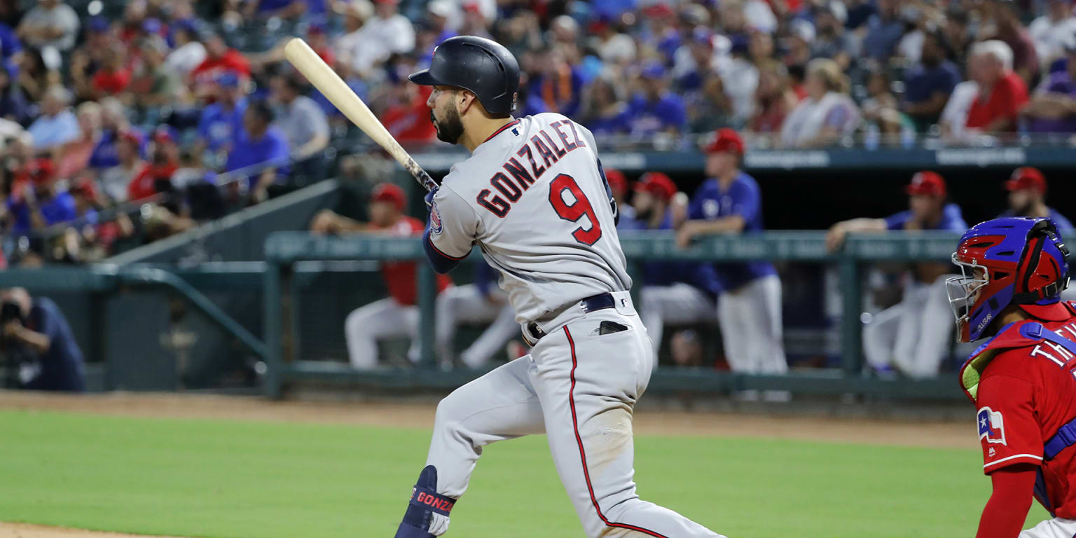 Marwin's 4 hits help Twins hold AL Central lead