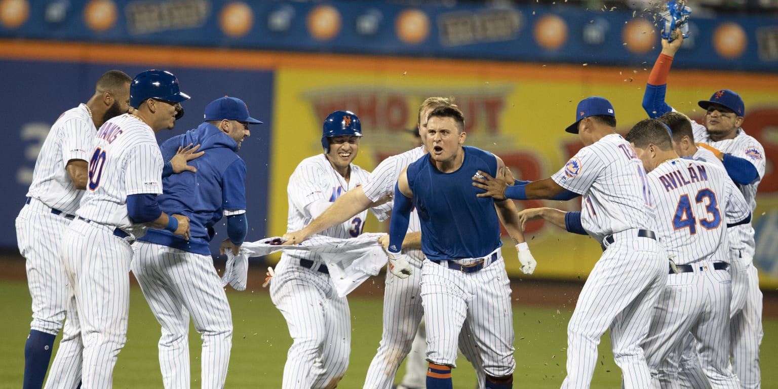 Down in 10th, J.D. clutch again in wild Mets win