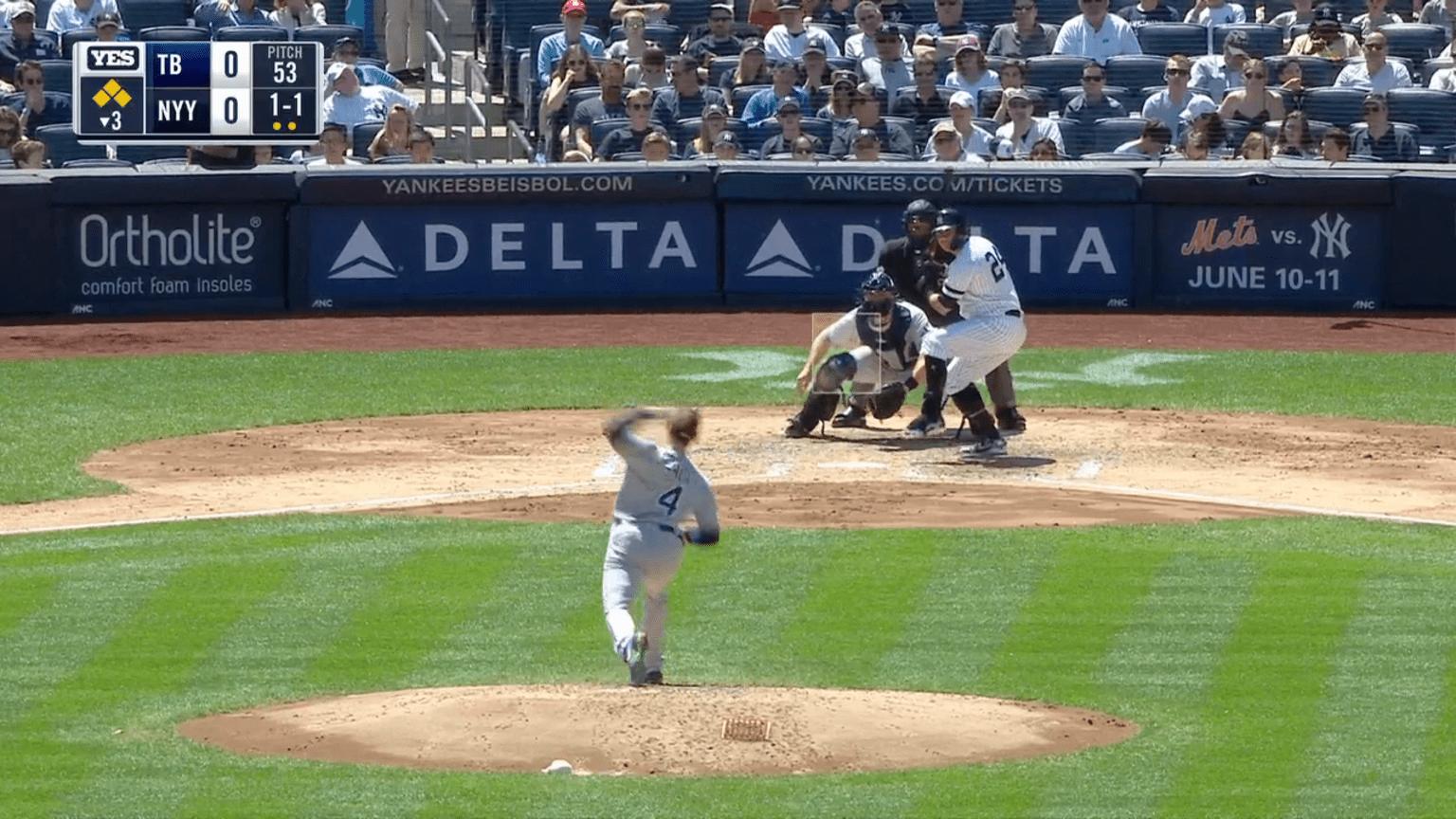 Gardner scores on wild pitch | 05/18/2019