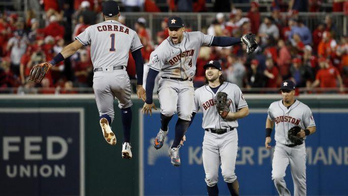 Astros a un triunfo del título tras barrer en D.C.